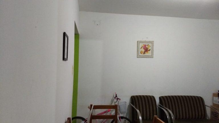 Apartamento com 49 Metros Quadrados, está localizado no bairro Irajá com 2 quartos, Sala, banheiro com armários, Cozinha com armários.