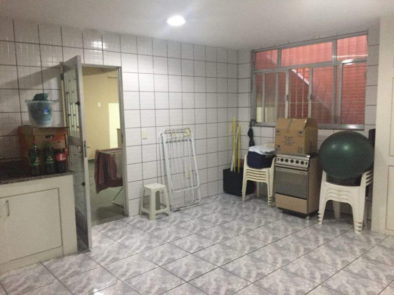 Excelente casa no bairro da Penha com 298 metros quadrados, com planejados em todos os cômodos