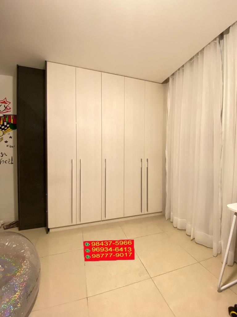 Apartamento localizado no Condomínio Majestic, na Barra da Tijuca, tem 166 metros quadrados com 3 quartos sendo 3 suite e 1 banheiros Possui academia, espaço gourmet, jardim, área de brinquedo para as crianças, espaço para festas.