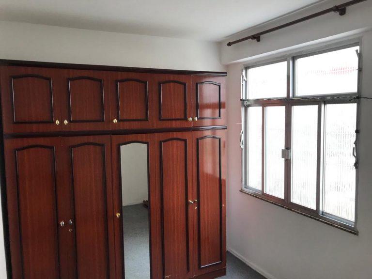 Aptº 1º andar com 49 Mtrs² com 02 quartos, Sala, Cozinha, Banheiro, localizado no bairro Irajá./RJ