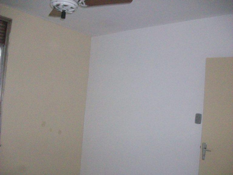 Apartamento com 57m², Sala, Cozinha e Banheiro. Todos os cômodos em piso frio, no bairro Iraja, Rio de Janeiro/RJ