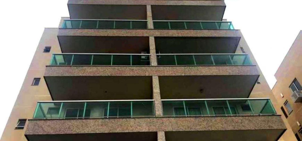 Apartamento com 2 Quartos à Venda, 54 m² por R$ 220.000
